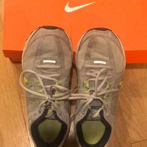 Nike Shoes - Nike Vomero 7 running shoes